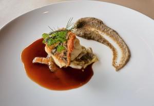 白身魚のポワレ 渡り蟹ソース 旬野菜添え